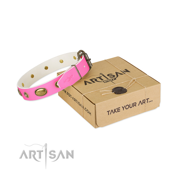 Adjustable leather collar for your attractive pet