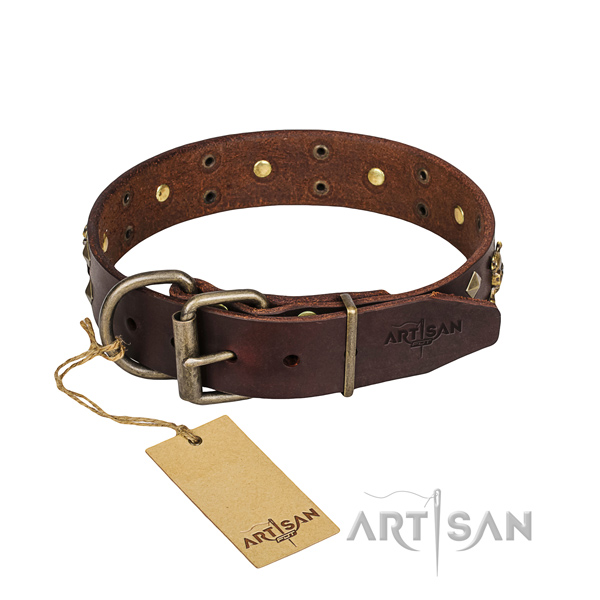 Leather dog collar with rounded edges for convenient everyday wearing
