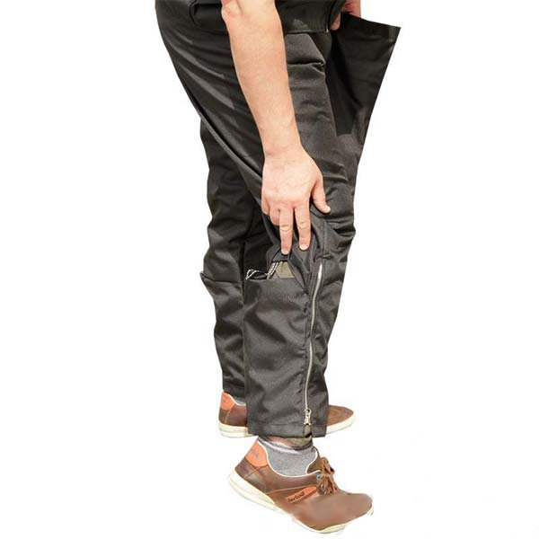 Scratch pants for American Bulldog trainer allows additional mobility